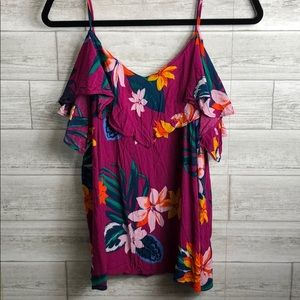 Old Navy top in Large
